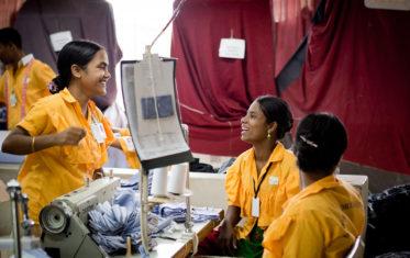 Bangladesh saljer statliga foretag